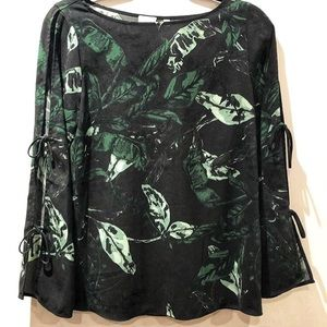 ARITZIA WILFRED floral blouse with side slits